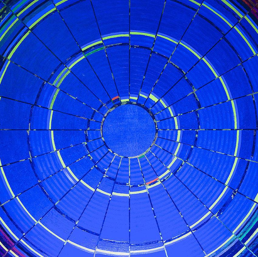 Acrilici, foglia d'oro vera, fluorescenti e fosforescenti su tela 120 x 120 cm